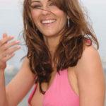 Liz Hurley cleavage 2