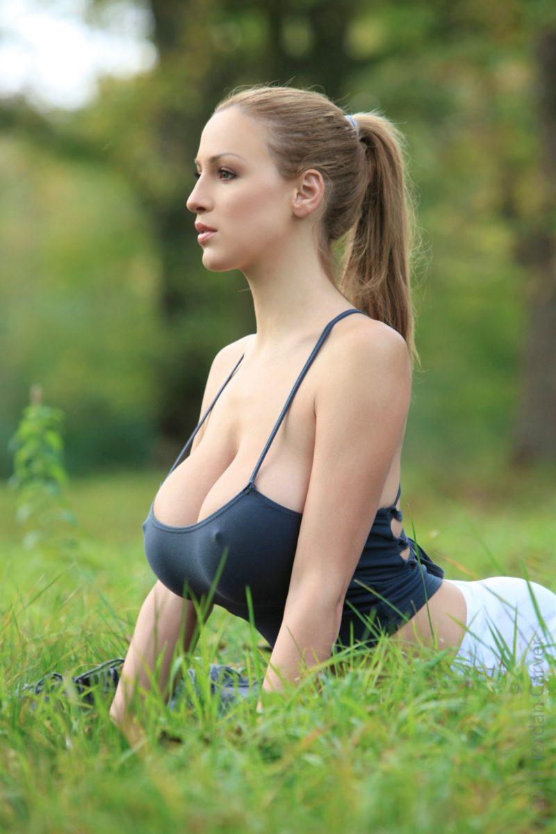 Jordan Carver Yoga Pic