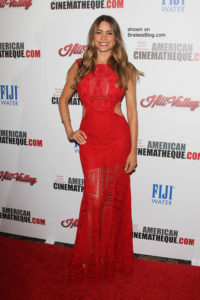 Sofia Vergara braless red dress 2