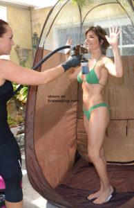 Lisa Rinna bikini pokies 2