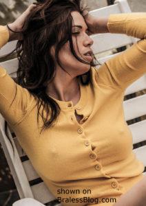 yellow sweater pokies