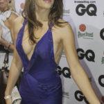 Elizabeth Hurley breasts